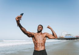 Najlepsze ćwiczenia na mięśnie czworoboczne